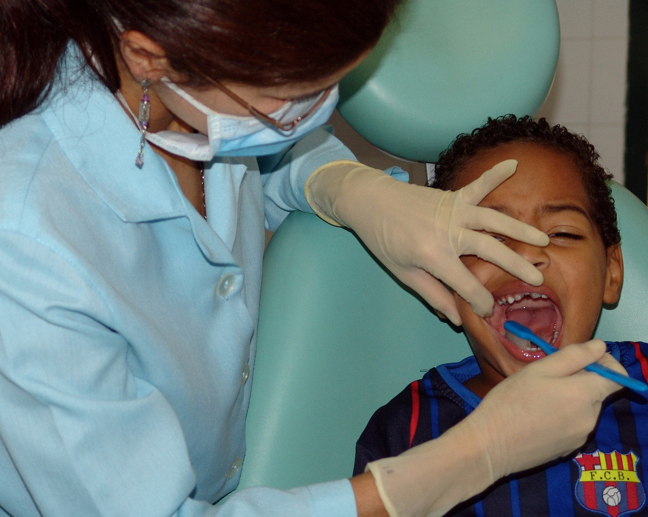 Jak sprawić by pierwsza wizyta dziecka w gabinecie stomatologa była przyjemna?